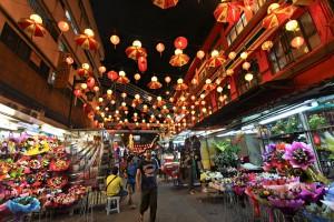 Malaysia-Kuala-Lumpur-Chinatown-Petaling-Street-Night-L_392014_12223